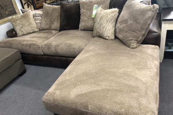 Wesley Toast Sectional